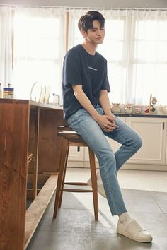 45 ideas for baby wallpaper korean Ong Seung Woo, Baby Bump Style, Baby Wallpaper, Boy Photography Poses, Poses For Men, Baby Girl Romper, Seong, Baby Boy Fashion, Kpop