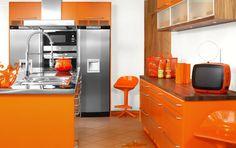 Modular orange kitchen with all orange furniture – Mobalpa orange kitchens Burnt Orange Kitchen, Orange Kitchen Decor, Home Decor Kitchen, Kitchen Furniture, Rooms Furniture, Furniture Buyers, Furniture Stores, Cheap Furniture, Orange Interior