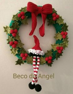 Crochet Patterns Gifts 10 Crochet Patterns for Hand Knit Christmas WreathsCrochet wreaths are fun to make, can be given as gifts and look terrific on display. Here are Christmas Wreath Crochet Patterns for you to use. Crochet Christmas Wreath, Crochet Wreath, Crochet Christmas Decorations, Christmas Crochet Patterns, Holiday Crochet, Crochet Toys Patterns, Christmas Knitting, Crochet Crafts, Xmas Decorations
