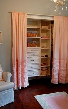 Baby Closet Organization Ideas – Nursery Closet Organization Ideas We Love! Baby closet ideas – DIY nursery closet organization and organizing ideas Girls Closet Organization, Small Apartment Organization, Organizing Ideas, Storage Organization, Nursery Organization, Organizing Small Closets, Diy Closet Ideas, Diy Ideas, Baby Room Closet