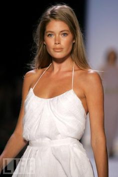 Doutzen Kroes is so beautiful.