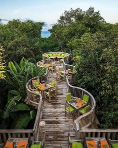 In the tree house - Daily Pratical Landscape Architecture, Landscape Design, Garden Design, Restaurant Design, Jungle Resort, Jungle House, Tree House Designs, Bamboo House, Cafe Design