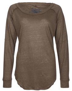Longsleeve    Durch den lockeren Oversize-Schnitt und die reine Leinenqualität wird das Langarm-Shirt zu einem perfekten Essential für einen klassischen, modernen Stil - unkompliziert und dennoch sehr feminin.    Ausschnitt: Rundhals  Details: Ohne  Gesamtlänge/Rückenlänge Größe S: 66cm  Größenflag: fällt normal aus  Material: 100% Leinen  Material Ärmeloberstoff: 100% Leinen  Oberteillänge: no...