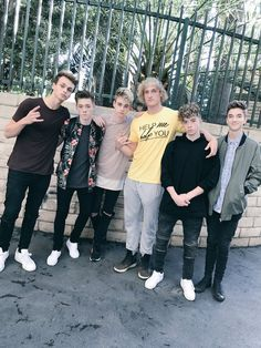 Logan and the boysss my baby face Zachyyyyyy and I don't like Zach just because he's the youngest it's Because he has a wonderful personality and he's just my zachyyyyy Logan Paul Kong, Jake Paul, Future Boyfriend, To My Future Husband, Logan And Jake, Comedy Song, Why Dont We Band, Zach Herron, Jack Avery