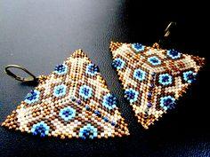 BO tissées en délicas, forme triangle   http://isavoit.alittlemarket.com