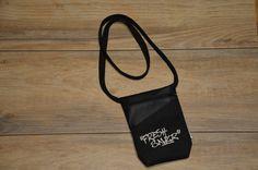 Umhängetaschen - Brustbeutel FRESH SNKR schwarz - ein Designerstück von MelanieStraube bei DaWanda