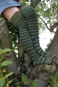 love these colors...and love stripes on socks and all kinds of things!
