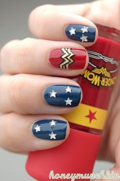 Not really a nail art kinda girl, but Im loving this Wonder Woman thing! 31 Images Of Gorgeously Geeky Nail Art women beauty and make up Fancy Nails, Get Nails, Love Nails, How To Do Nails, Pretty Nails, Hair And Nails, Nail Art Geek, Wonder Woman Nails, Wonder Nails