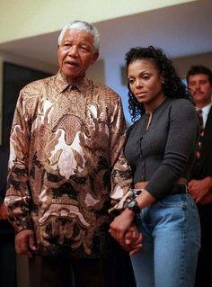 🇿🇦Nelson Mandela and Janet Jackson in 1998 Nelson Mandela, Lisa Marie Presley, Paris Jackson, Janet Jackson, Black Love, Beautiful Black Women, Simply Beautiful, Beautiful People, Elvis Presley