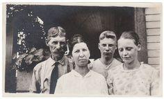 Anon., USA, ca. 1930s  Snapshot, 3¼ x 5½ ins. (8 x 14cm)  © Fine Vernacular Photography