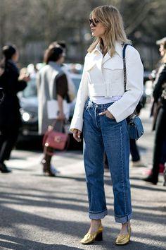 Die Mom Jeans schickt sich an, die perfekte Jeans-Passform neu zu definieren.