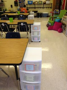 Nerdy, Nerdy, Nerdy! Blogger organized her tables with these mobile tubs...Great way to organize your classroom!