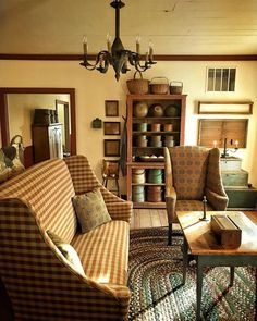 country primitive home decor used Decor, Farm House Living Room, Country Decor, Country Interior, Primitive Homes, Home Decor, Primitive Decorating Country, Primitive Living Room, Colonial Living Room