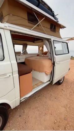 T3 Camper, Build A Camper Van, Camper Life, Vintage Campers Trailers, Camper Trailers, Minivan Camper Conversion, Conversion Van, Vw Camping, Van Interior