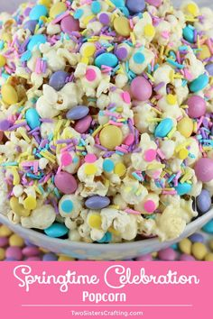 Springtime Marshmallow Popcorn - Sweet and Salty popcorn never looked so good or. Springtime Marshmallow Popcorn - Sweet and Salty popcorn never looked so good or was so easy to make. Easter Snacks, Easter Appetizers, Easter Treats, Easter Recipes, Easter Food, Easter Party, Easter Desserts, Easter Table, Easter Gift
