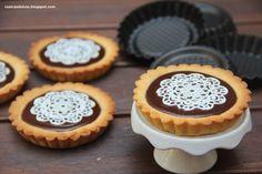 Cosicas dulces...y alguna salada: Tartaletas rellenas de crema inglesa de chocolate