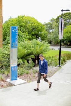 The FlexiSign Totem is ideal for pedestrian-scale projects and is our most specified signage type. A popular choice for transport signage. Wayfinding Signage, Public Spaces, Pedestrian, Public Transport, Schools, Parks, Transportation, Walking, Construction