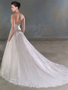Picture of A-Line Sweetheart No Waist/Princess Seams Wedding Dresses