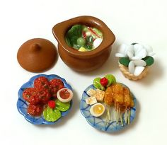 1:12 scale Dollhouse Miniature Meal Set, Cooking, Dinner, Lunch, Asia, Thai, Food, BBQ, Curry, Satay, claypot, porcelain, Plate, flower