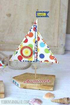 Easy Wood Sailboat Decor  made from scrap pallet wood.