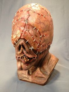 Halloween Masks - Page 30 Latex Halloween Masks, Classic Halloween Costumes, Halloween Cosplay, Halloween Party, Monster Makeup, Pumpkin Mask, Southern Gothic, Sculpture Art, Sculptures