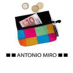 URID Merchandise -   Porta-Moedas Megarl   3.66 http://uridmerchandise.com/loja/porta-moedas-megarl/ Visite produto em http://uridmerchandise.com/loja/porta-moedas-megarl/