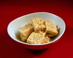 Sesame and Almond Nougat Sweet Recipes, Easy Recipes, Easy Meals, Christmas Cooking, Almond, Cereal, Breakfast, Food, Easy Keto Recipes