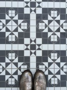 Harrow tiles from Wickes Modern Kitchen Tiles, Kitchen Flooring, Mad About The House, New Bathroom Ideas, Farm Projects, Feature Tiles, Bold Prints, Tile Floor, Print Patterns