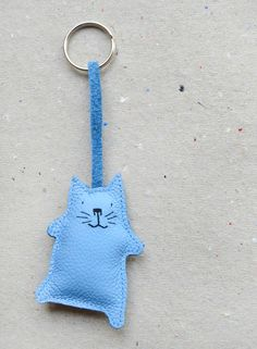 Your kids don´t want to lose their keys anymore, for cat-lovers Cat key chain by Adams-Braut via DaWanda