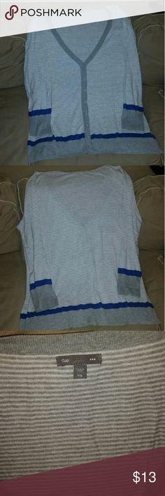 Ladies sweater Very good condition/ grey,wht,blue GAP Sweaters V-Necks