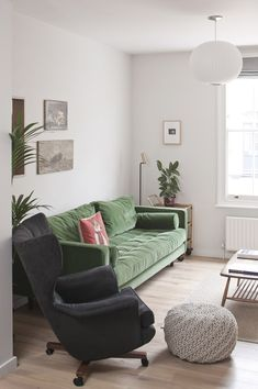 See How Archer + Braun Gave This London Row House a Modern Makeover - Architectural Digest Living Room White, White Rooms, New Living Room, Living Room Sofa, Living Room Furniture, Living Room Decor, Modern Furniture, Small Living, Rustic Furniture