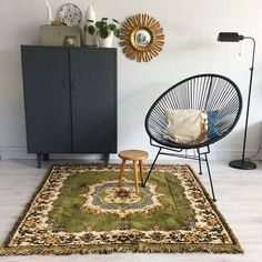 Styling inspiration #styledbyhouseproud vintage rug for sale at www.house-proud.nl