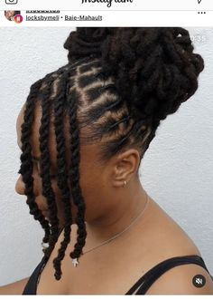 Dreads Styles For Women, Short Dreadlocks Styles, Short Locs Hairstyles, Dreadlock Styles, Girls Natural Hairstyles, Curly Hair Styles, Natural Hair Styles, Locs Styles, Dreads Black Women