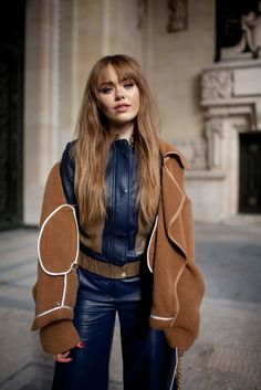 Photo by Kuba Dabrowski/WWD (c) Fairchild Fashion Media Street Style 2016, Autumn Street Style, Street Chic, Paris Outfits, Fashion Outfits, Paris Fashion Week 2016, Street Snap, My Outfit, Fashion News