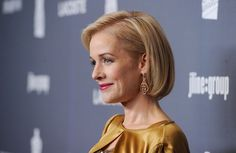 Penelope Ann Miller Bob - Penelope Ann Miller looked pretty and polished wearing her hair in a sleek classic bob at the Annual Costume Designers Guild Awards. Short Bob Hairstyles, Cute Hairstyles, Penelope Ann Miller, Short Hair Cuts, Short Hair Styles, Hair Styles For Women Over 50, New Hair Do, Pale Blonde, Hair Photo