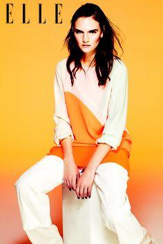 Áo hai màu họa tiết lượn sóng, đầm ngắn và quần ống rộng STELLA McCARTNEY - See more at: http://www.elle.vn/content/nhung-xu-huong-noi-bat-nhat-cua-xuan-he-2013#sthash.9ySmFLpT.dpuf