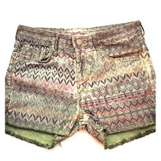 H&M Aztec Patterned Jean Shorts These H&M Aztec-print jean shorts are so fun and hip! They're a size 6 but fit like a size 4 and they're very stretchy! H&M Shorts Jean Shorts
