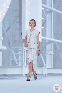 Spring Summer 2021 Ready-to-Wear Collection.Runway Show by Chanel. Summer Fashion Trends, Spring Summer Fashion, Runway Fashion, Trendy Fashion, Casual Outfits, Fashion Outfits, Summer Outfits Women, Couture Collection, Cloths