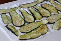 """Vinete """"à la parmigiana"""" - vinete cu parmezan   Laura Laurențiu Parmezan, Zucchini, Vegetables, Food, Meal, Essen, Vegetable Recipes, Hoods, Meals"""