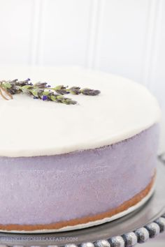 Honey lavender cheesecake with a graham cracker crust Cheesecake Original, Cheesecake Recipes, Dessert Recipes, Dessert Drinks, Lavender Recipes, Macaron, Food Cakes, Let Them Eat Cake, Graham Crackers