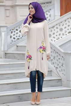 Stunning Button Front Tunic Outfit Ideas for Hijabies – Girls Hijab Style & Hijab Fashion Ideas Modern Hijab Fashion, Muslim Women Fashion, Arab Fashion, Islamic Fashion, Modest Fashion, Fashion Outfits, Fashion Ideas, Hijab Style Dress, Casual Hijab Outfit