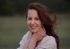 Jedna znajvýraznejších slovenských sopranistiek – Eva Šušková patrí kmimoriadnym zjavom našej hudobnej scény. Rešpektovaná na poli klasickej hudby, odhodlaná experimentovať vrámci tej alternatívnej. Čerstvá držiteľka ceny Radio_Head Awards za najlepší album vkategórii Klasická hudba (album secret VOICE) práve vydáva očakávanú novinku secret VOICE electric. Album svýnimočne intenzívnou dramaturgiou pokrstí 23. mája o18.00 hod. vbratislavskom Pálffyho... The Voice, The Secret