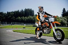 Supermoto fun Ktm 690, Motorbikes, Offroad, Abs, Vehicles, Motorcycles, 6 Pack Abs, Off Road, Biking