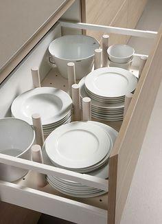 9 Storage ideas for the kitchen Kitchen Drawers, Kitchen Shelves, Kitchen Storage, Kitchen Cabinets, Plate Storage, Base Cabinets, Kitchen Furniture, Kitchen Interior, Kitchen Dining