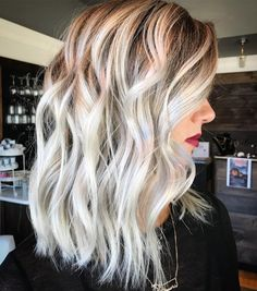 frosty blonde balayage with some seriously beautiful contrast via Hair Color Balayage, Bayalage, Blonde Balayage, Ombre Hair, Wavy Hair, Beautiful Blonde Hair, White Blonde Hair, Blonde Hair Shades, Medium Hair Cuts