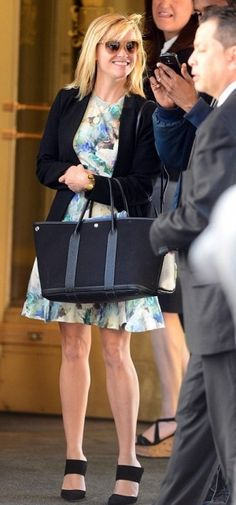 Reese Witherspoon wearing Hermes Garden Party Bag.