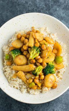Vegan Chickpea Stirfry Bowl | The Green Loot #vegan #healthy #weightloss
