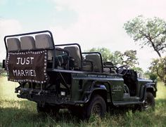 No limo? No problem. A ruggedly charming Land Rover transports guests to the wedding reception.