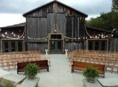 Tennessee Barn Wedding Venues | The Barn at Chestnut Springs/