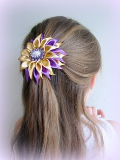 Satin Flower Kanzashi Flower Lilac Gold Multifunctional от Invozho, €18.00